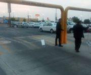 Hasta valet parking y cobro para estacionarse en Plaza San Juan y restringen áreas sin aviso ni señalética