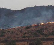 -Videos- Consumido por el fuego casi en su totalidad el Cerro de la Venta en San Juan del Río, continúa incendio