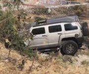 Muere conductor al volcar  su camioneta de lujo en Querétaro