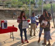 Festeja Iliana Montes a niñas, niños y madres en Río del Carrizal, Arroyo Seco
