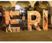 """VIDEO SIN CENSURA: Reaparece """"María Webcam"""" semidesnuda por calles de Querétaro"""