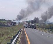Continuarán bloqueos en la Querétaro-Irapuato tras enfrentamiento, un muerto y un lesionado