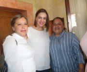 Acompaña Marina Ponce  Karina Castro de Domínguez a entrega de apoyos a Asilo de Ancianos en Jalpan