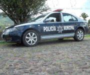 Un muerto por arma blanca en camino vecinal de San Juan del Río, es hallado en un auto