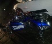 Muere motociclista al ser embestido por Camaro en Ezequiel Montes