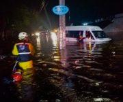 Cuerpos de seguridad y atención de emergencias atendieron contingencias por lluvias en El Marqués