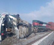 Se descarrila y vuelca máquina de tren en Querétaro, 3 lesionados