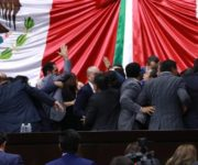Zafarrancho del PAN y Morena en la Cámara de Diputados