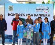 Comprometido con la Educación Juan Carlos Linares en Peñamiller