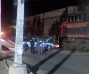 Arrolla tren a dos vehículos en Querétaro que quisieron ganarle el paso