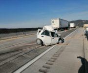 Muere automovilista prensado entre dos tráileres en la Palmillas-Apaseo