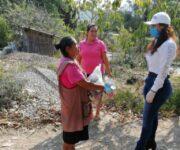 Alcaldesa Iliana Montes, de Arroyo Seco, sigue entregando despensas en comunidades