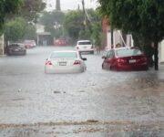 -VIDEOS- Fuerte lluvia y granizada causa estragos en Querétaro
