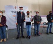 Entrega alcalde Toño Mejía calentadores solares a familias tequisquiapenses