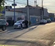 Muere dentro de su vehículo hombre en Querétaro