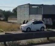 Ejecutan a hombre en Pedro Escobedo al interior de su camioneta
